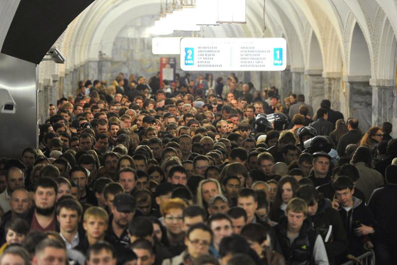 метро в час пик