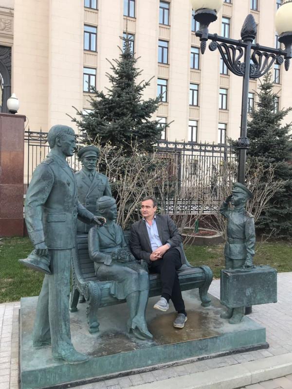 памятник у МО