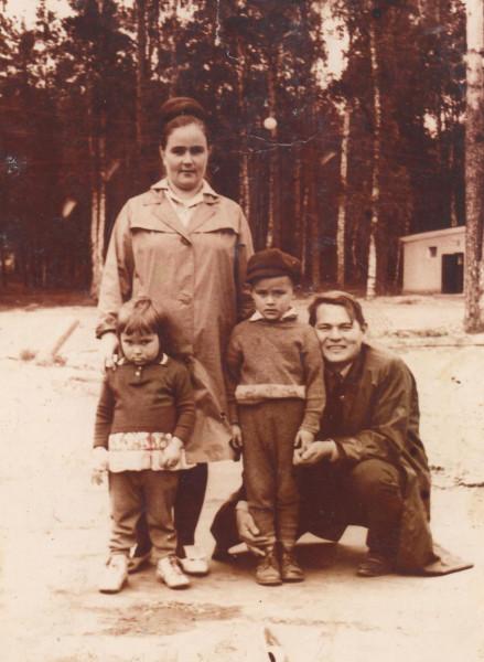Альбина, мама, папа, я... 1969 год...