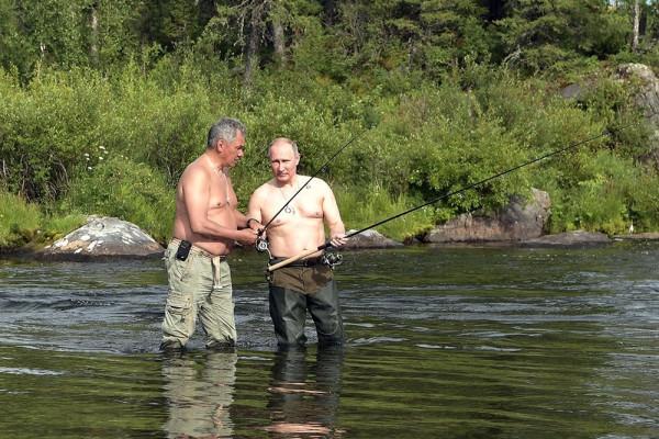 Путин и Шойгу на рыбалке