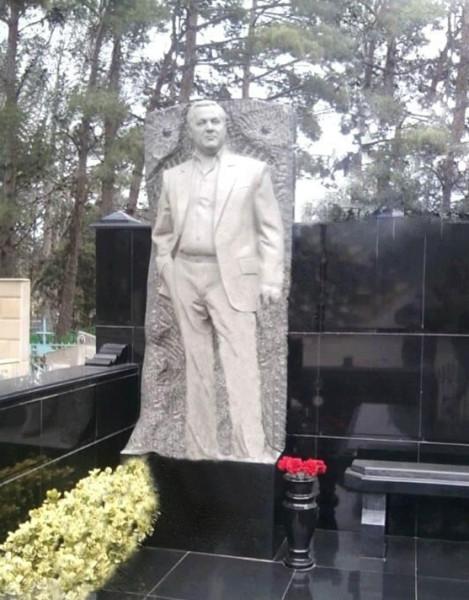 Памятник Чингизу Седому