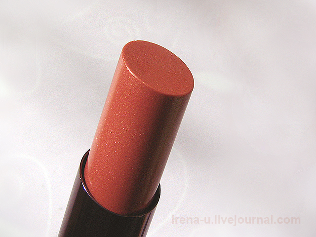 Помада Urban Decay Revolution Lipstick Lovelight свотчи