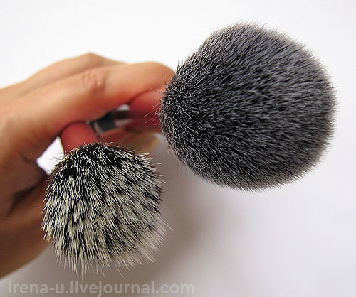 Real Techniques by Samantha Chapman Stippling Brush, Blush Brush