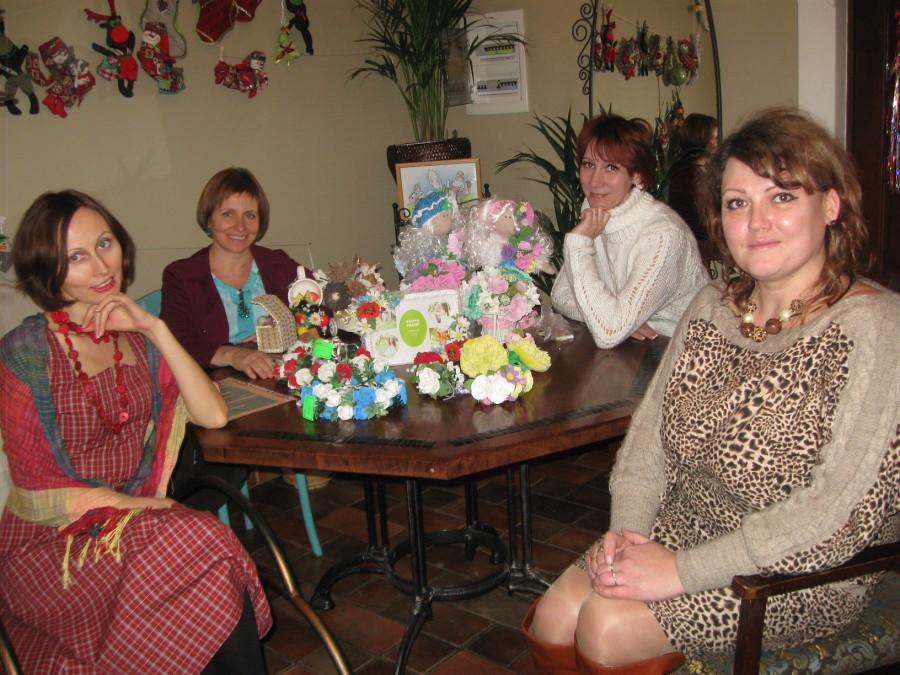 Куклы и сувениры в ресторане Одесса 037