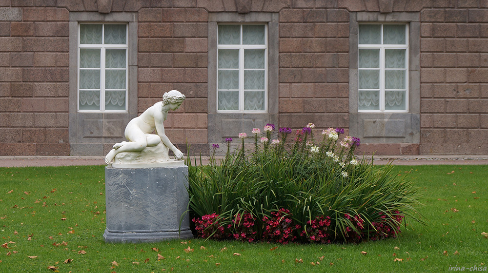 Собственный сад. Скульптура «Нимфа»