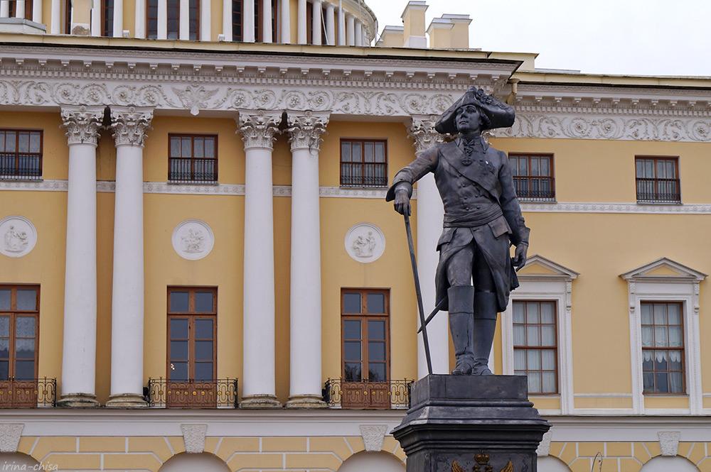 Памятник императору Павлу I