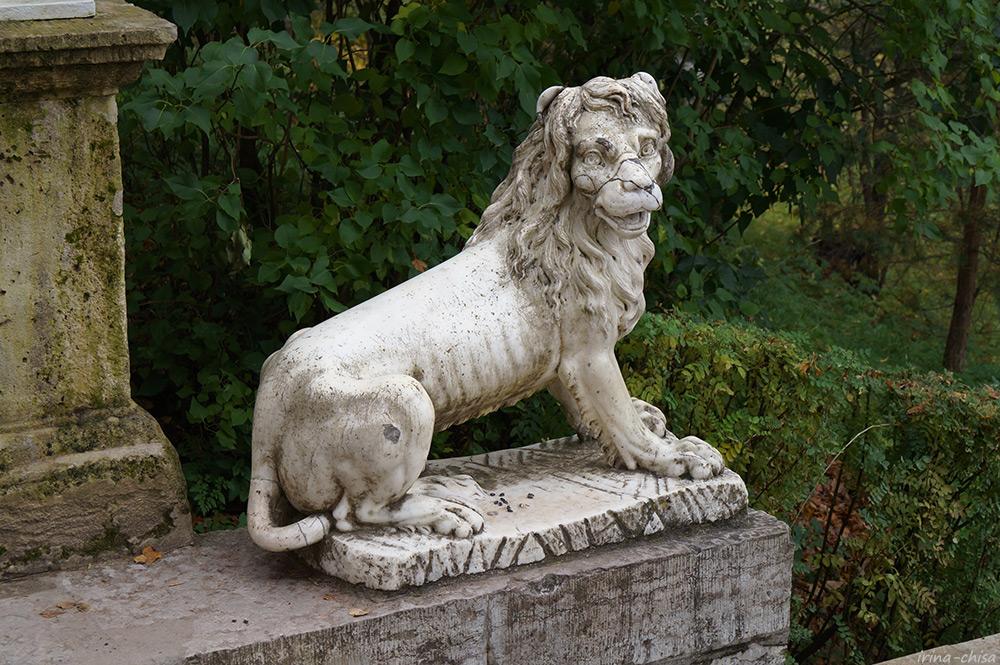 Львы у Большой  Итальянской лестницы