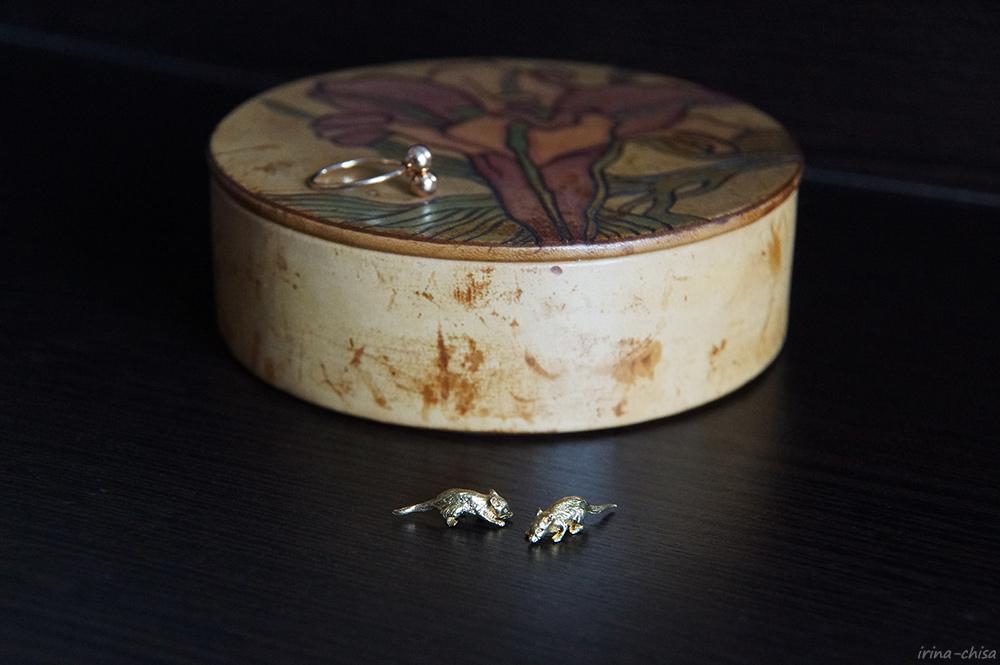 Домашние простотаки - Три возраста девочки, вырезающей лепестки сакуры из рисовой бумаги — ЖЖ
