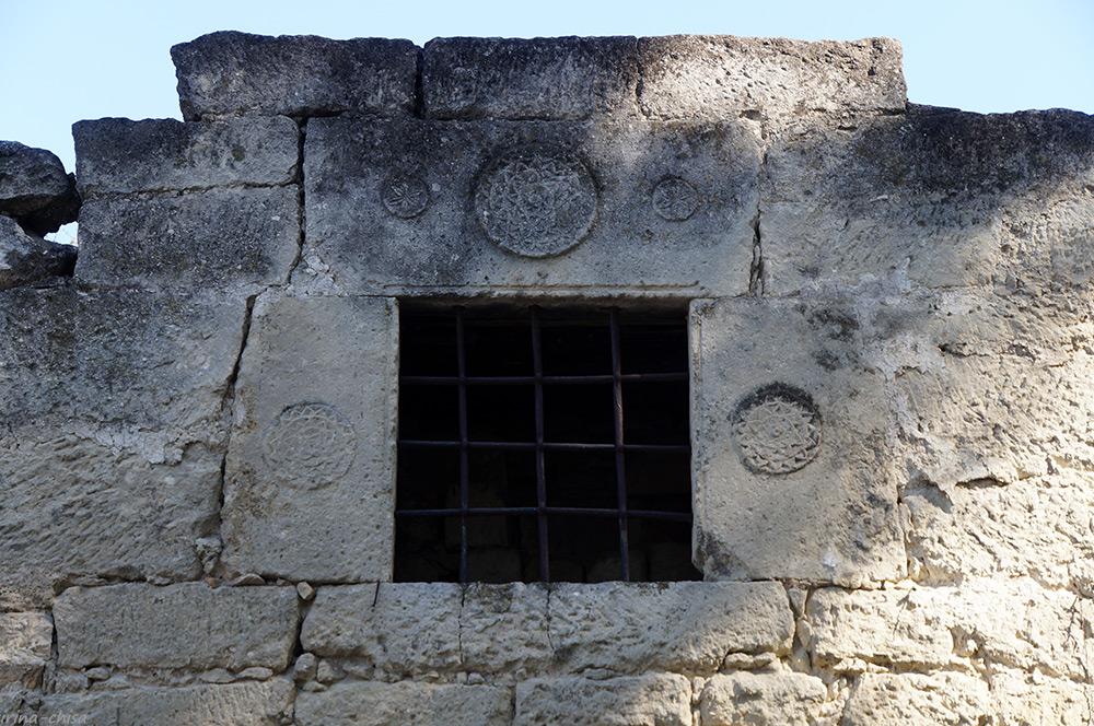 Руины караван-сарая Таш-Хан
