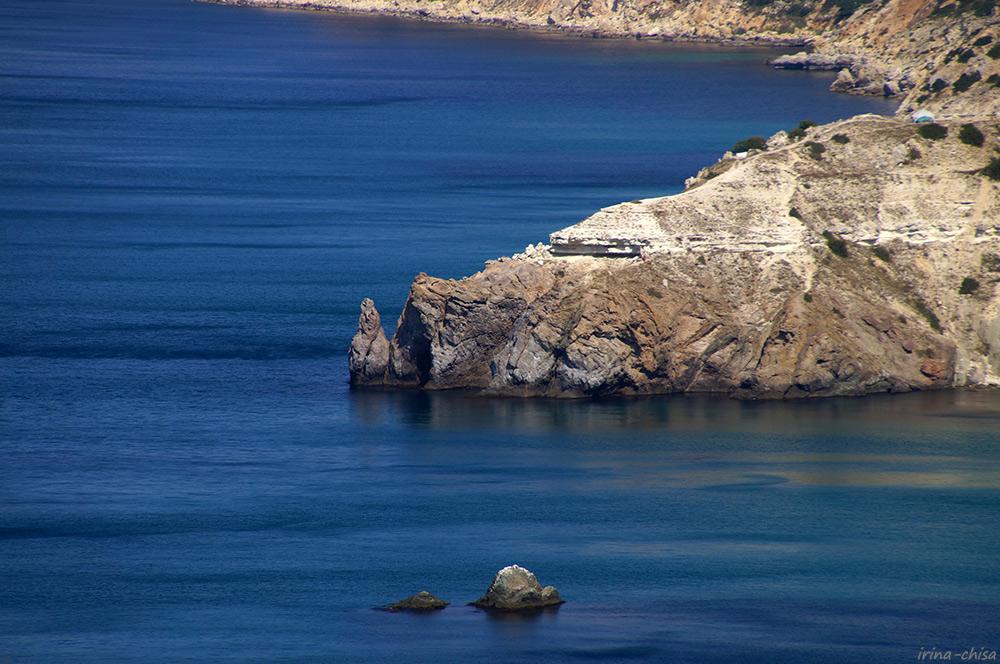 Мыс Виноградный и камень Дракон, камни Подводная лодка
