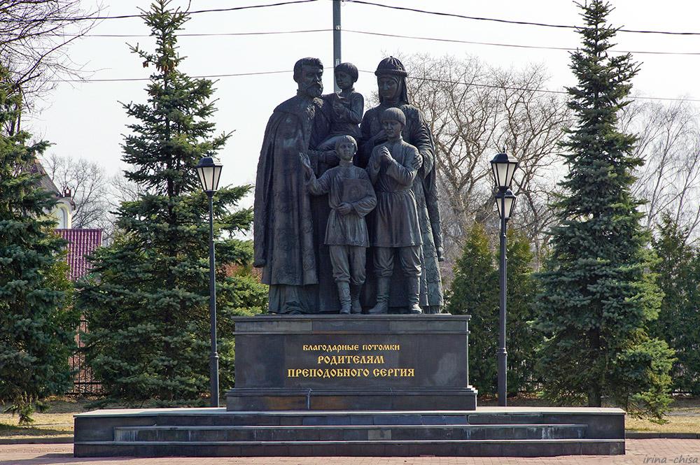 Памятник родителям преподобного Сергия Радонежского