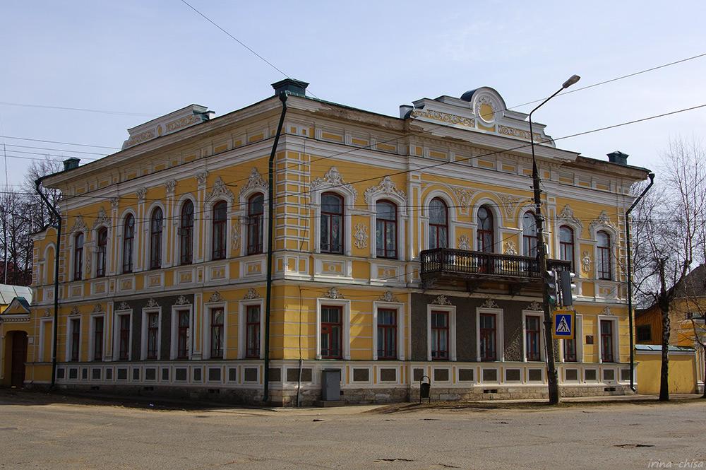 Дом Истоминых