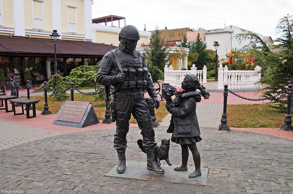 Памятник «Вежливым людям»