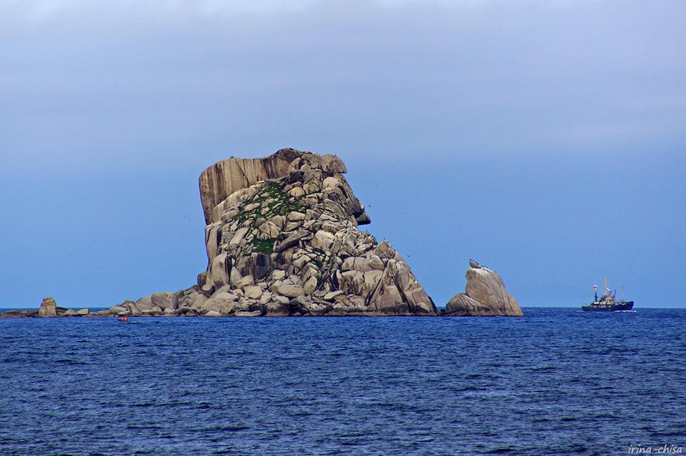 Скала Копна архипелага Крейсер