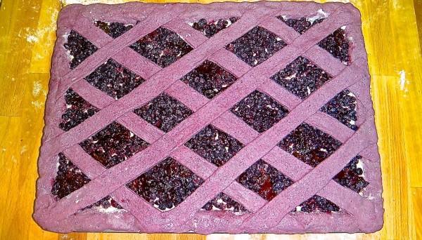 Черничный пирог после расстойки