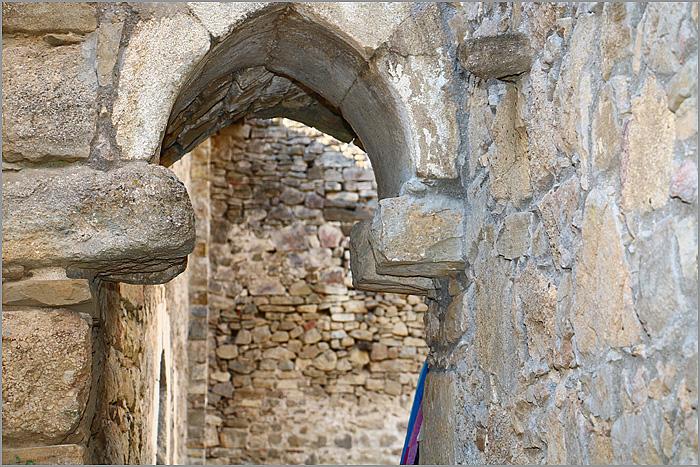 узкие ворота в храм