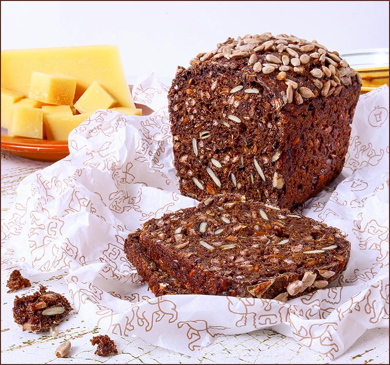 Хлеб ржаной с семечками и зернами «Черный хомяк» по Вольфгангу Сюпке