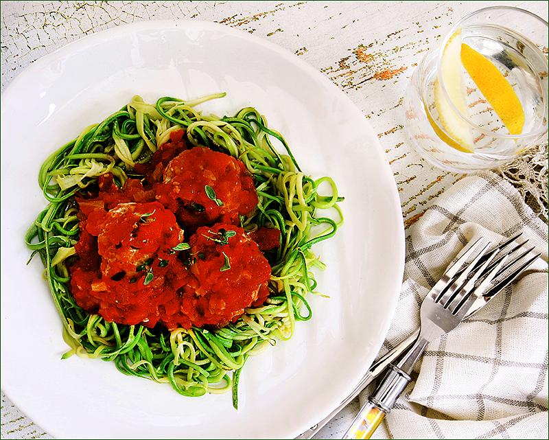 Тефтели из индейки  со спагетти    из цуккини по Гордону Рамзи
