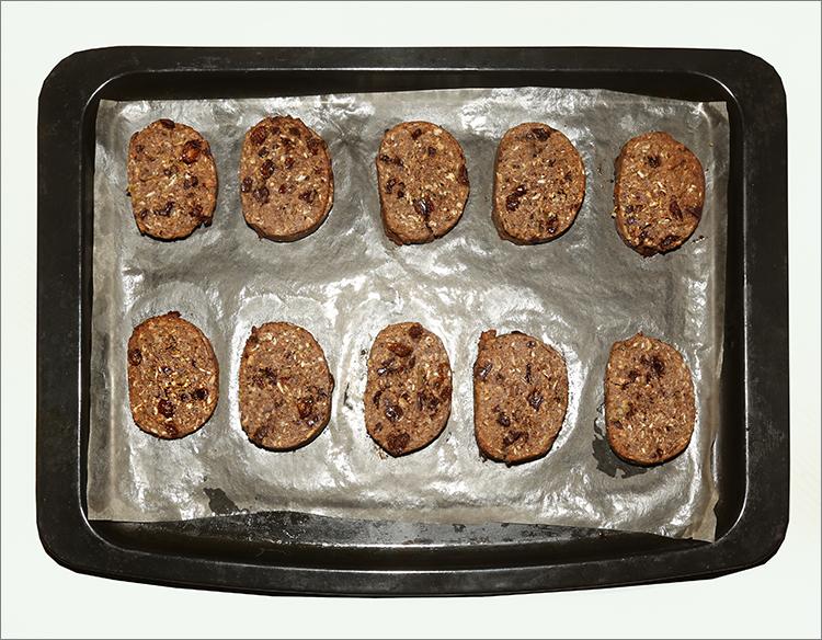 Овсяное печенье с шоколадными каплями и кокосовой стружкой