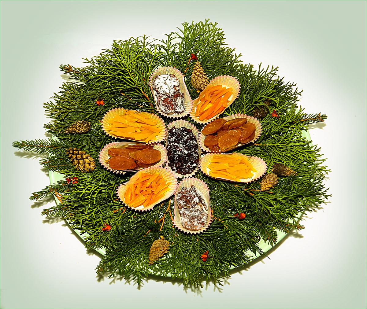 Домашние цукаты из апельсиновых и лимонных корочек, лесной клюквы, дайкона, имбиря, свеклы