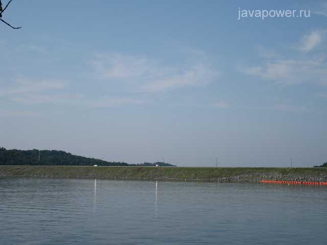 озеро дамба