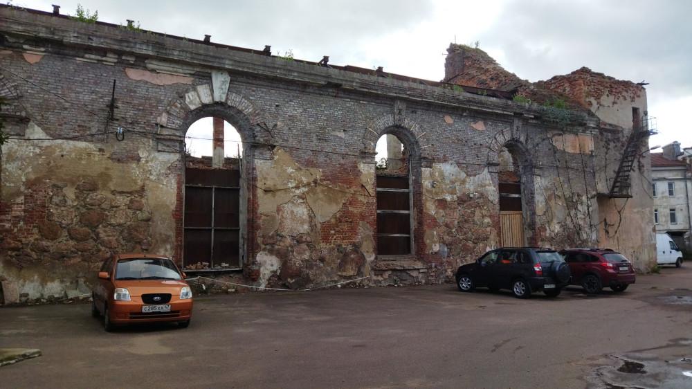 руины собора Доминиканского монастыря