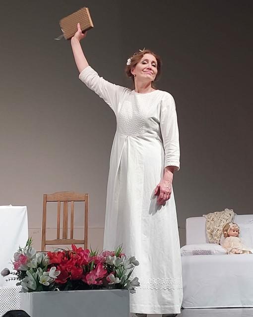 Елена Шохина в роли Эмили Дикинсон. Фотография из интернета