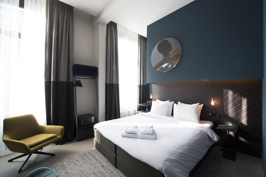 Boutique-hotel-Amsterdam-by-Jeroen-de-Nijs-02