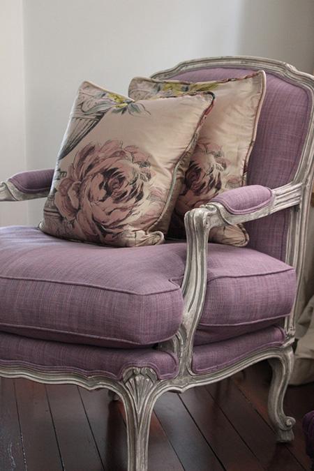 кресло-пыльная-роза