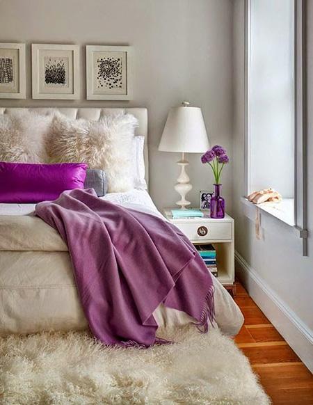 спальня-белый-фиолетовый-розовый-интерьер