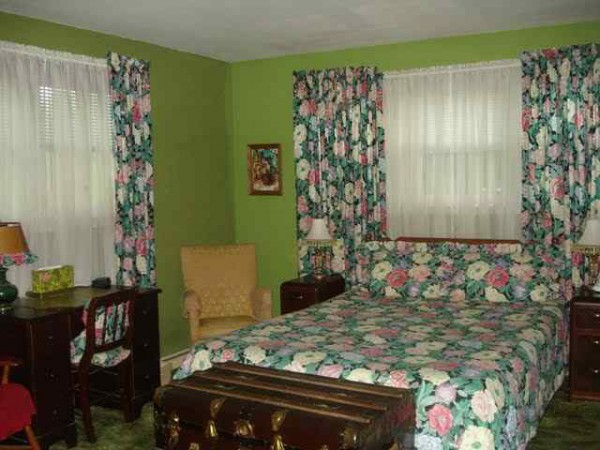 ugly bedroom