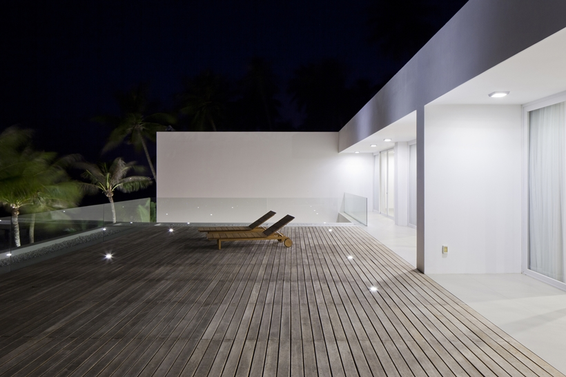 Stunning_Modern_Beach_House_by_MM++_Architects_on_world_of_architecture_24