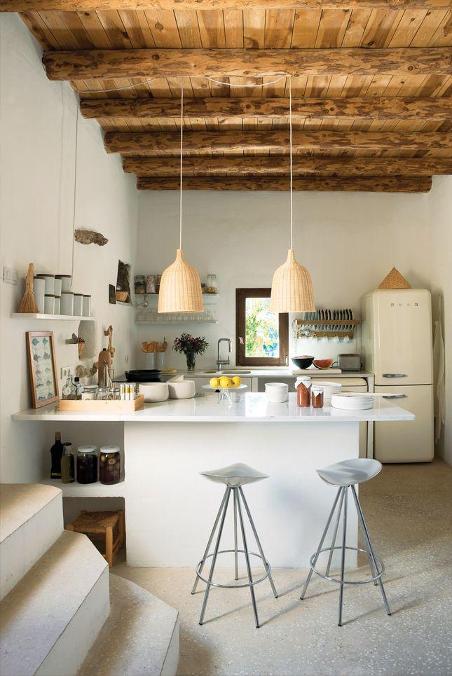 Уютная кухня со светом из IKEA