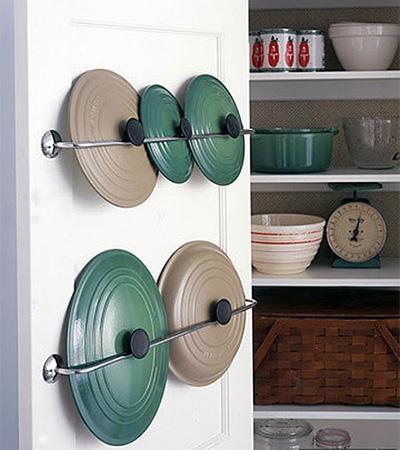 Хранение-на-кухне-крышки-от-кастрюль