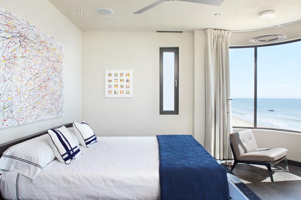 10-Blue-white-bedroom