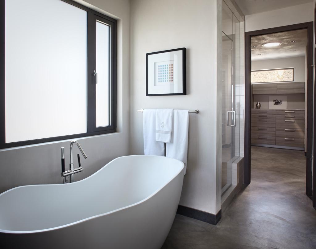 15-Freestanding-bathtub
