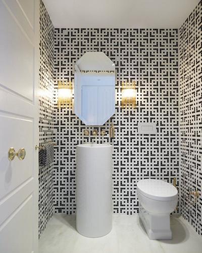 Плитка-в-ванной-геометрический-узор-мозаика