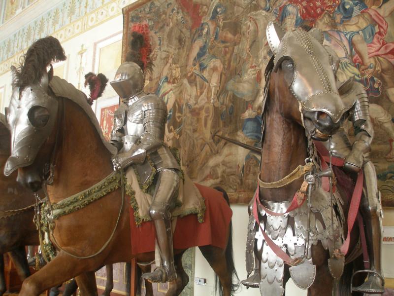 Рыцари и боевые кони в доспехах конца XV — середины XVI вв. Эрмитаж, Санкт-Петербург
