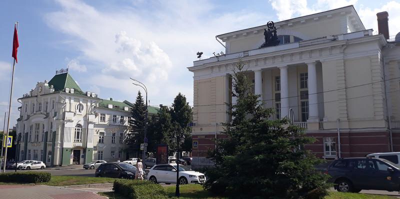 Здания отреставрированы и показаны.