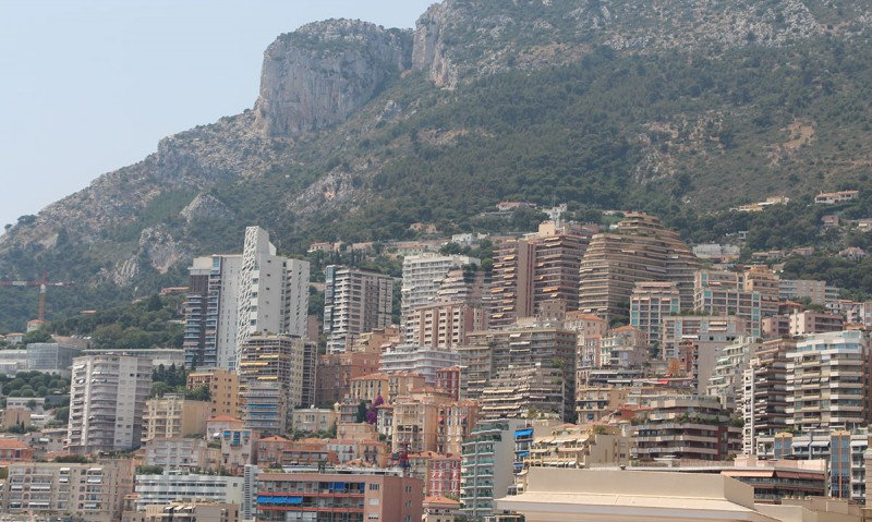 Наверное, это трущобы Монако ))))
