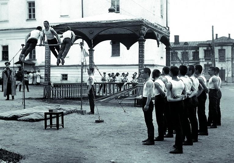 Сиб. кадет корп. упр. во дворе. 1913