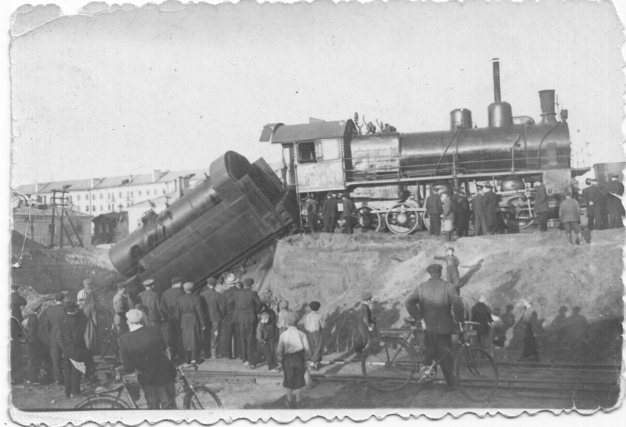 Трамвайный жд переезд на Серова - Невидимый город: http://omchanin.livejournal.com/1829571.html
