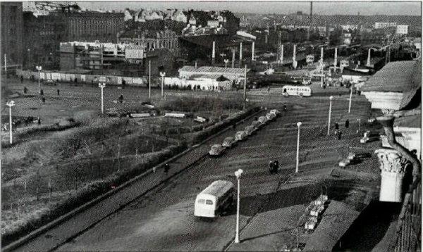 Как выглядели улицы города до постройки станций метро1