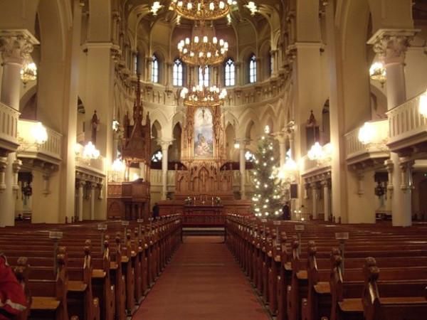 Церковь разрешила венчать однополые пары2