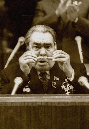 Пост для юных социалистов, не нюхавших СССР в вонючие портянки, и старых