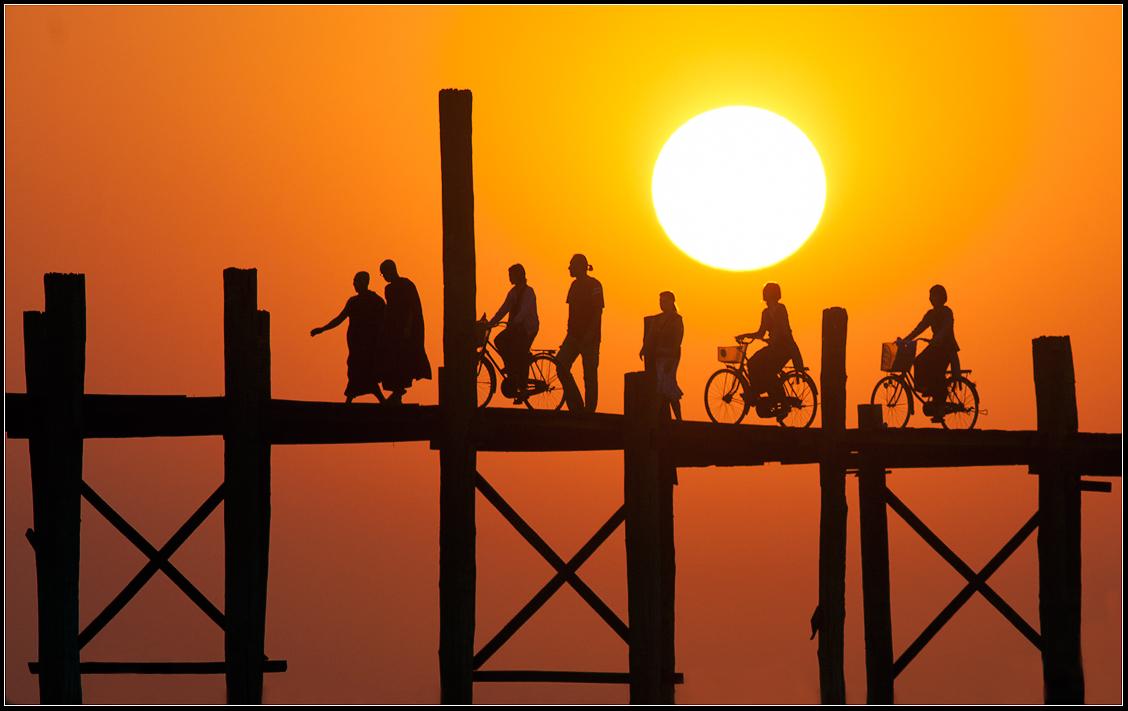 Закат в Мандалай.