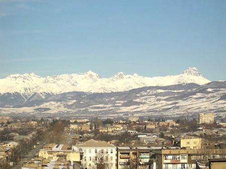 зимний город Цхинвал, столица Южной Осетии