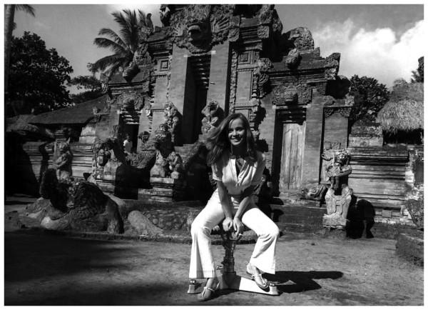 l_attrice-laura-antonelli-a-bali-in-indonesia-nel-luglio-del-1970-il-28-novembre-ha-compiuto-70-anni-la-presse