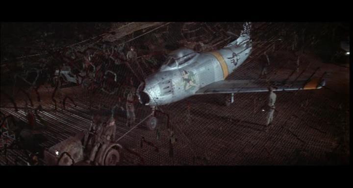 bombers b52.avi_snapshot_00.01.56_[2014.11.02_22.32.47]