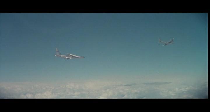 bombers b52.avi_snapshot_00.59.08_[2014.11.02_23.20.02]